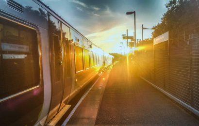 Lỡ một chuyến tàu
